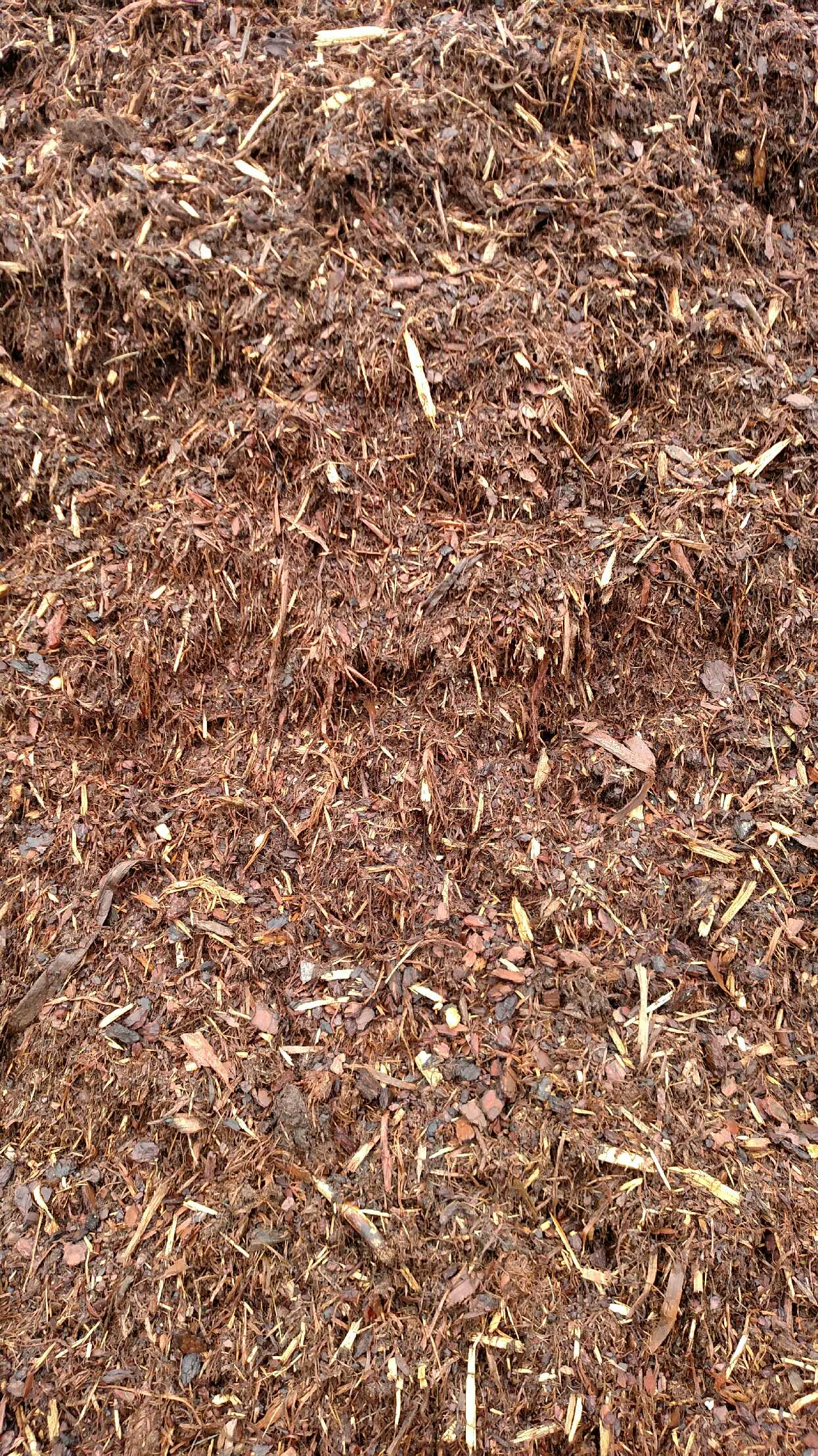 General Purpose Pine & Hardwood Mix Mulch available in-store and online for pickup or delivery at Asheville Mulch in North Carolina